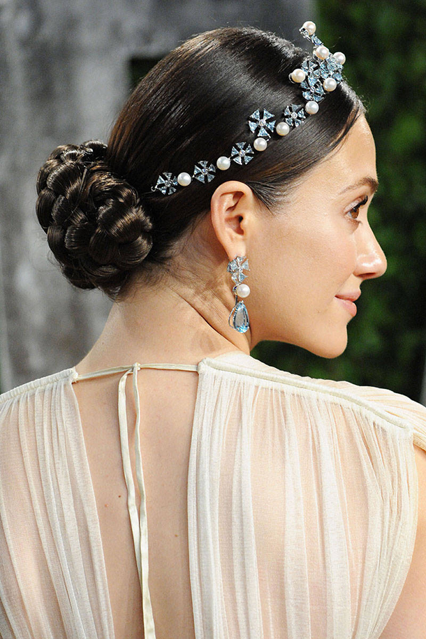 elle-wedding-hairstyles-salma-hayek-xln-xln